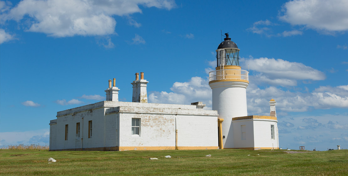 Chanonry Lighthouse dolphin spotting
