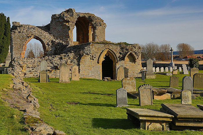 Visit to the Kinloss Abbey Ruins & Cemetery in Moray