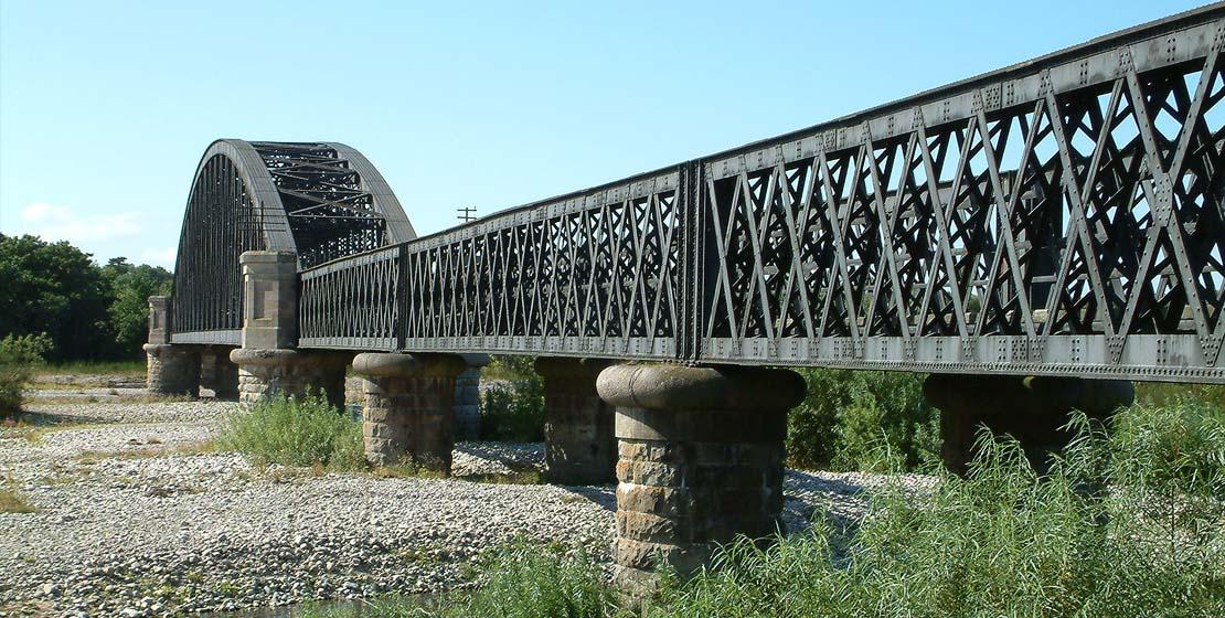 Spey Viaduct | Grey girders and open box girders