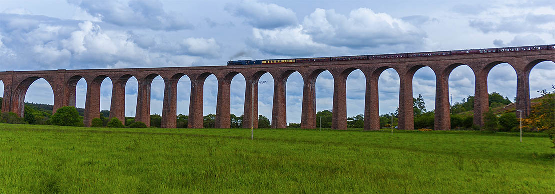 Train crossing Culloden Viaduct