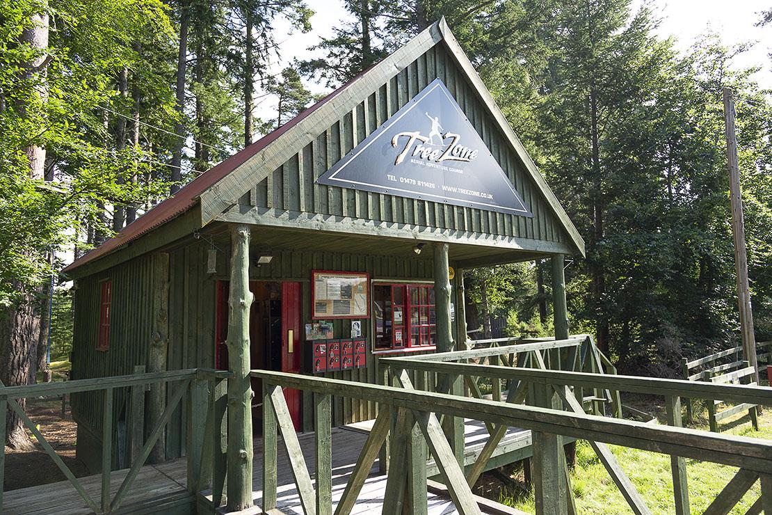 TreeZone Hut / Reception